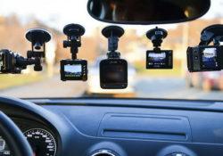 Как выбрать видеорегистратор для автомобиля: главные характеристики