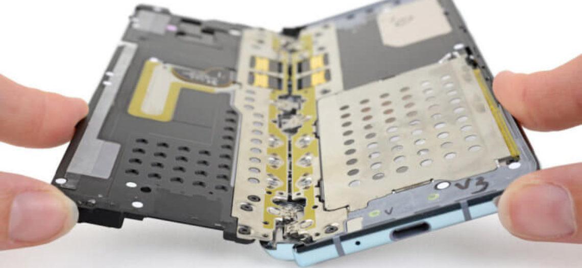 Специалисты iFixit объяснили, почему поломался дисплей Galaxy Fold