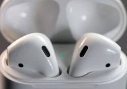 Подросток превратил EarPods в AirPods всего за 4 доллара